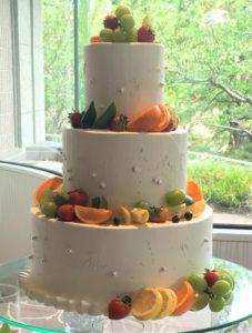 柑橘系フルーツがのったケーキ